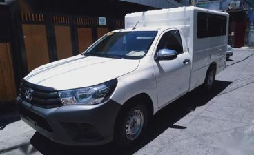 Sell White 2017 Toyota Hilux in Makati City
