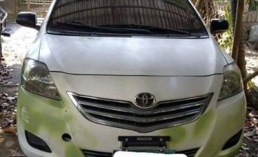 White Toyota Vios 2010 for sale in Manila