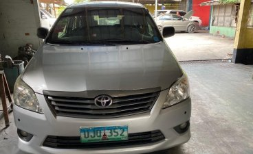 Silver Toyota Innova 2014 for sale in Angeles City