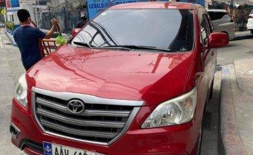 Selling Red Toyota Innova 2014 in Manila