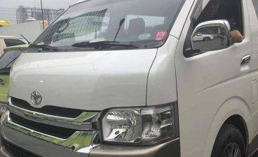 Selling White Toyota Grandia 2014 in Manila