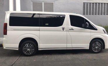 Selling White Toyota Grandia 2020 in Manila