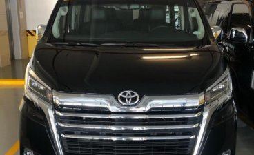 Selling Black Toyota Grandia in Makati