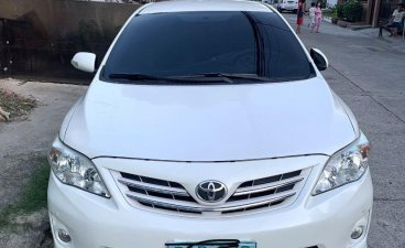 Selling White Toyota Corolla Altis 2012 in Parañaque