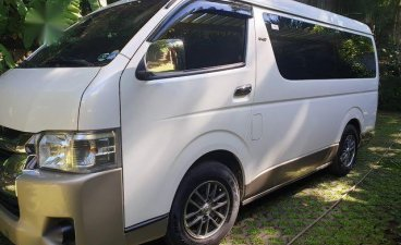 White Toyota Grandia for sale in Mandaluyong City