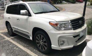 Selling White Toyota Land Cruiser in Cagayan de Oro