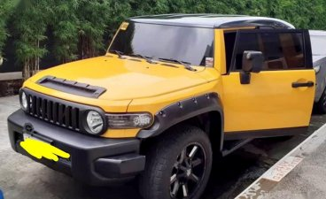 Sell Yellow Toyota Fj Cruiser in Parañaque