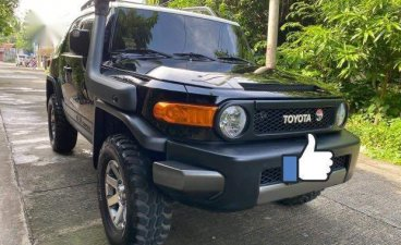 Sell Black Toyota Fj Cruiser in Manila