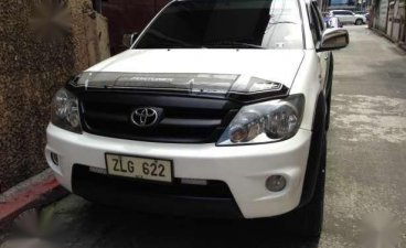 Selling White Toyota Fortuner 2007 in Manila