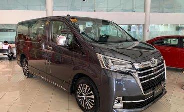 Selling Black Toyota Hiace in Manila