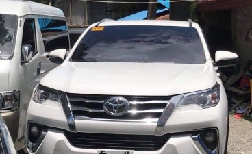 Sell 2020 White Toyota Fortuner 2.7 (A) in Manila