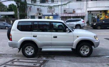 Selling White Toyota Land cruiser prado 2015 in Manila