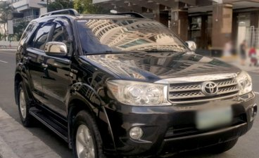 Black Toyota Fortuner 2.7 7 Seater (A) 2010 for sale in Bonifacio Global City (BGC)