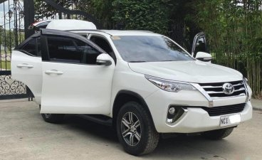 Selling White Toyota Fortuner 2018 SUV at 22000 km in Manila