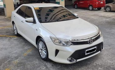 Sell Pearl White 2017 Toyota Camry in Parañaque