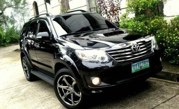 Black Toyota Fortuner 2012 SUV Automatic for sale in Manila