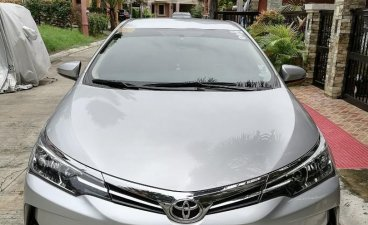 Sell Pearl White 2017 Toyota Corolla altis in Bacoor
