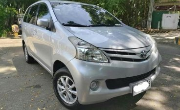 Selling Silver Toyota Avanza in Quezon City