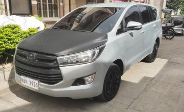Selling Grey Toyota Innova 2017 in Laguna