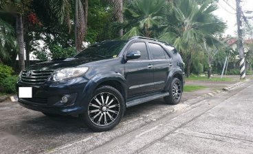 Selling Black Toyota Fortuner 2013 in Angeles City