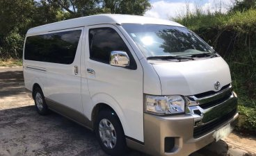 Selling White Toyota Hiace in Quezon City