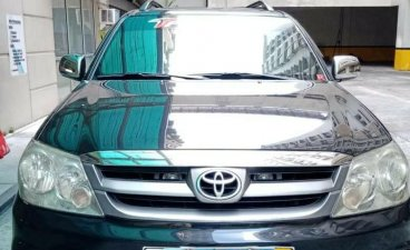 Selling Black Toyota Fortuner 2006 in Quezon City