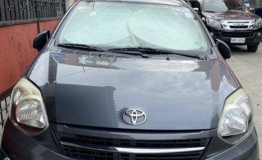 Selling Grey Toyota Wigo in Las Piñas