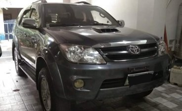 Selling Black Toyota Fortuner in Manila