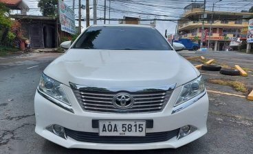 Sell Pearl White 2015 Toyota Camry in Muntinlupa