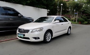 Pearl White Toyota Camry for sale in Quezon City