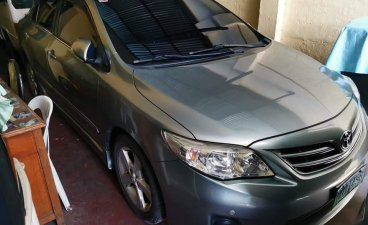 Selling Grey Toyota Corolla altis in Manila