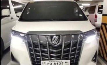Sell Pearl White Toyota Alphard in Manila