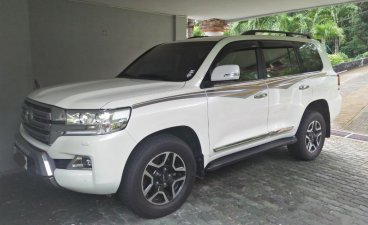 Selling Pearl White Toyota Land Cruiser 2019 in Subic