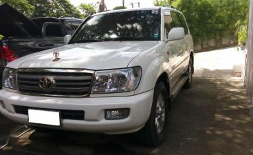 Sell White Toyota Land Cruiser in Quezon City