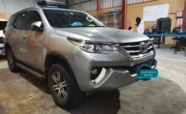 Selling Silver Toyota Fortuner 2018 in Manila