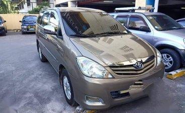Selling Grey Toyota Innova in Parañaque