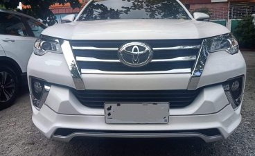 White Toyota Fortuner 2017 for sale in Bacoor