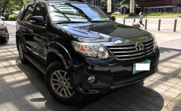 Selling Black Toyota Fortuner 2012 in Manila