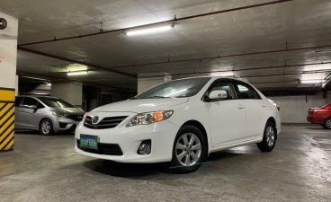 Sell White 2012 Toyota Corolla Altis in Cavite