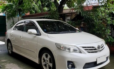 Sell Pearl White 2011 Toyota Corolla Altis in Manila