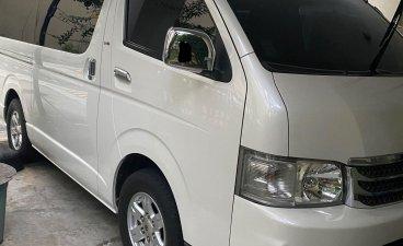Sell Pearl White 2009 Toyota Hiace Super Grandia in Manila