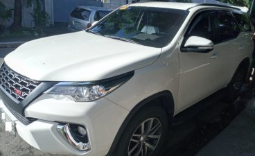 Selling White Toyota Fortuner 2017 in Manila