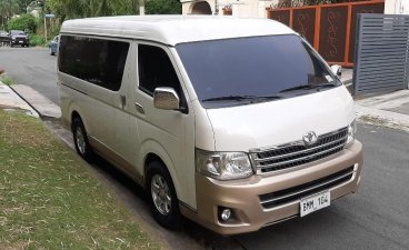 Selling White Toyota Hiace Super Grandia 2013 in Quezon City