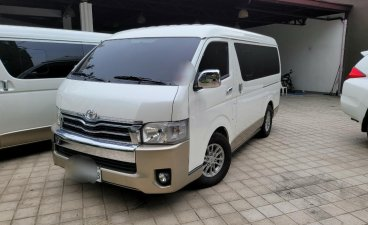 White Toyota Hiace Super Grandia 2017 for sale in Valenzuela