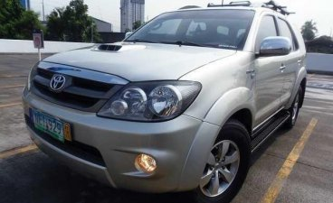 Sell Silver 2009 Toyota Fortuner in Manila