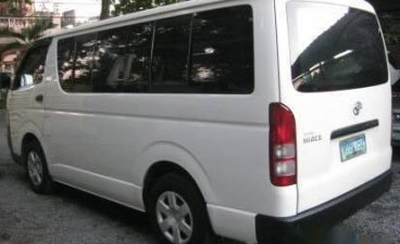 Sell White 2010 Toyota Hiace Van in Manila