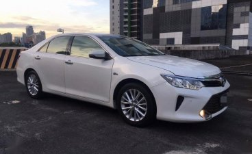 Sell White 2015 Toyota Camry in Parañaque