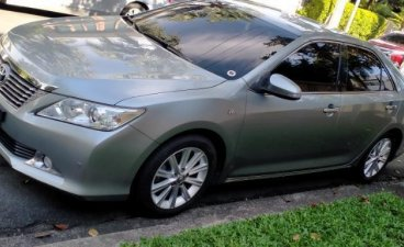 Selling Silver Toyota Camry 2014 in Makati