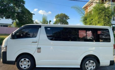 Selling White Toyota Hiace 2017 in Angeles