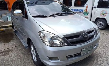 Selling Silver Toyota Innova 2006 in Makati